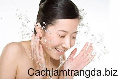 nhung-lieu-phap-spa-cham-soc-da-mat-tai-tai-nha-cho-ban 1