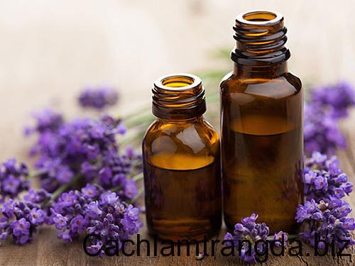Trị da mặt bị mụn dễ dàng bằng 7 loại tinh dầu dưỡng da tốt nhất 2