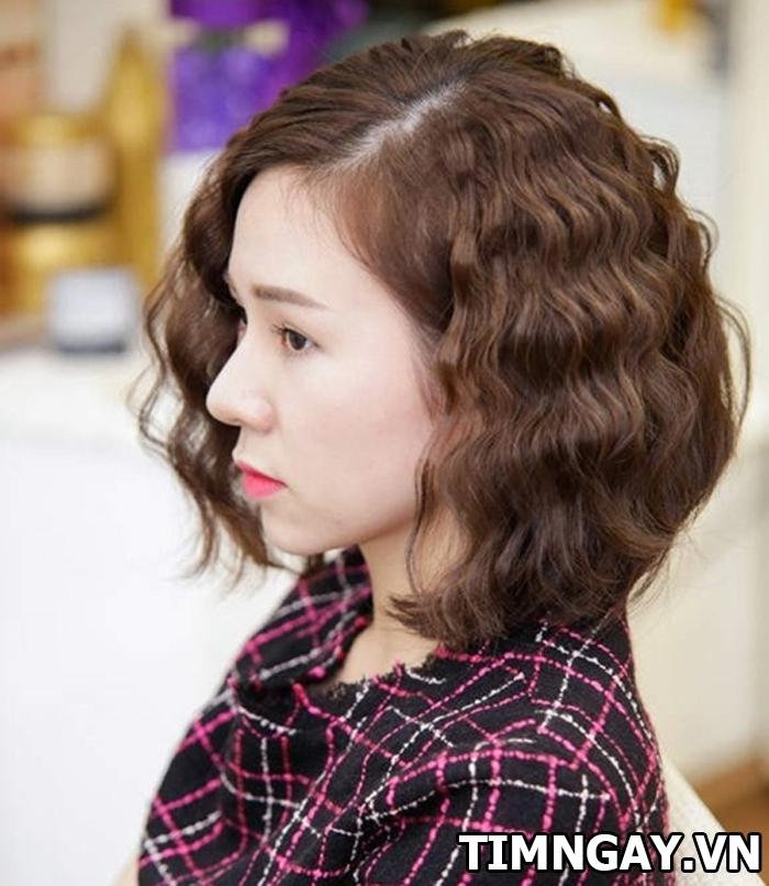 các kiểu tóc xoăn ngắn đẹp cho nàng xinh tươi trong ngày hè 4
