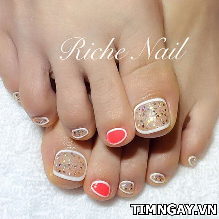 Các mẫu móng chân đẹp mê ly theo phong cách của riêng bạn 23