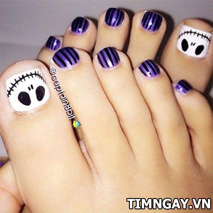 Các mẫu móng chân đẹp mê ly theo phong cách của riêng bạn 27
