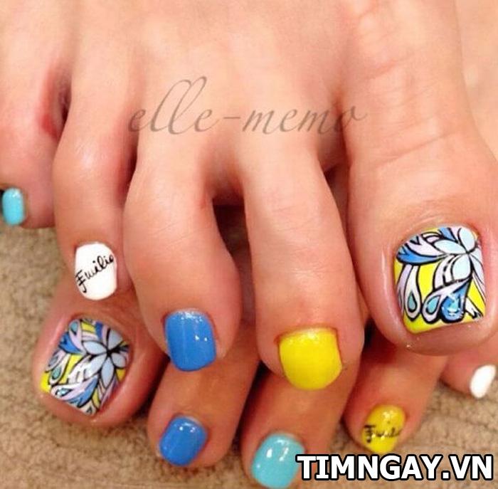 Các mẫu móng chân đẹp mê ly theo phong cách của riêng bạn 4