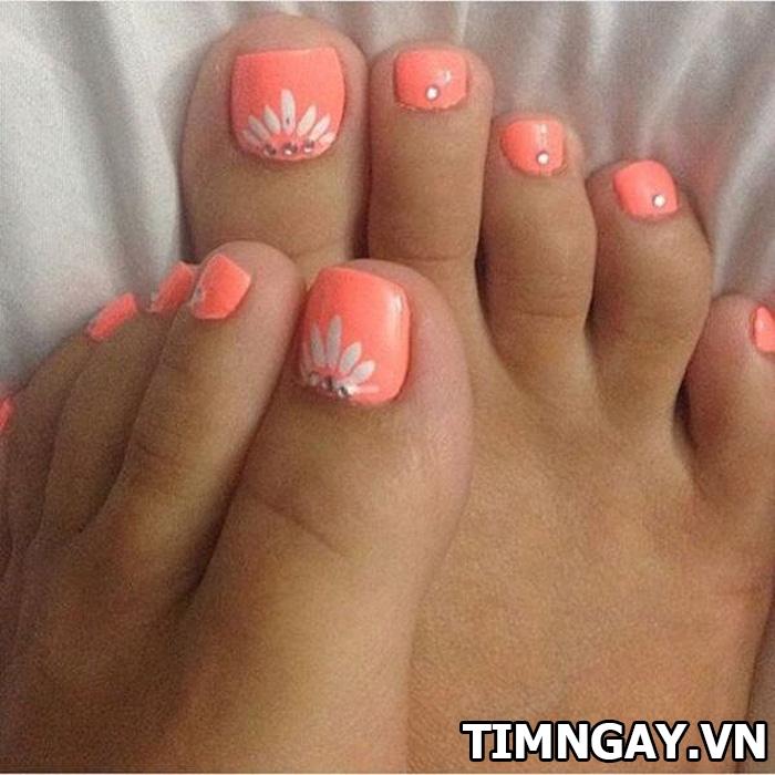 Các mẫu móng chân đẹp mê ly theo phong cách của riêng bạn 9