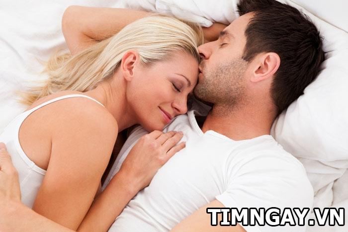 Đẻ xong bao lâu thì quan hệ được? Những điều vợ chồng cần lưu ý 2