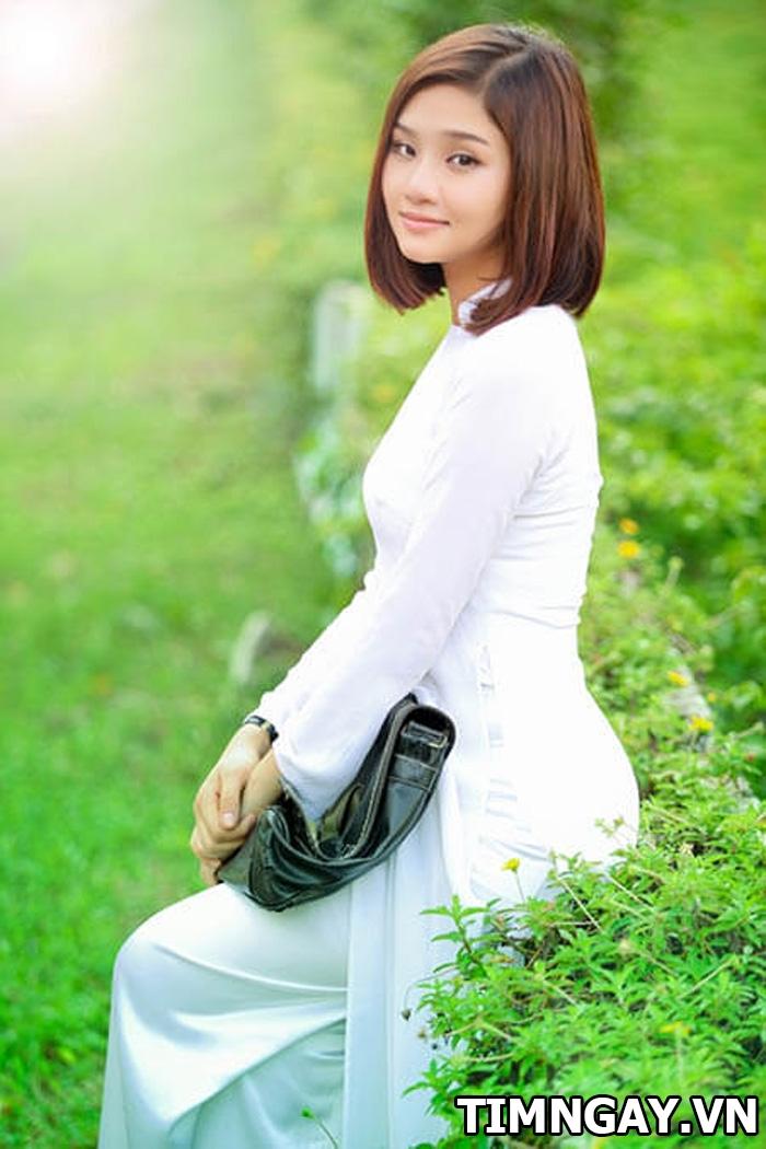 Giới thiệu các kiểu tóc duỗi thẳng đẹp phù hợp với gương mặt và cá tính 1