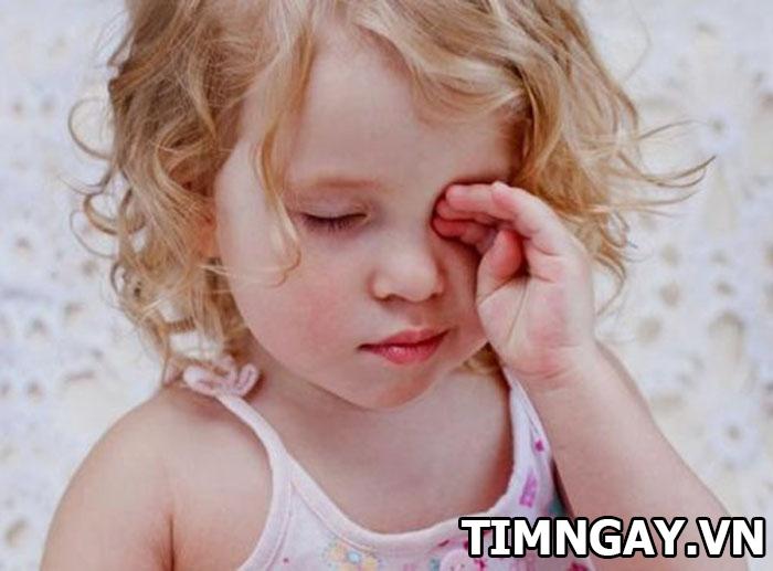 Những điều mẹ cần biết về bệnh đau mắt đỏ ở trẻ nhỏ 3
