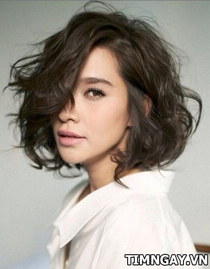 Những kiểu tóc hợp với mặt trái xoan mang phong cách cá tính, bụi bặm 2
