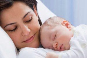Sự khác nhau của trẻ đẻ mổ & đẻ thường và cách chăm sóc mẹ sau khi sinh
