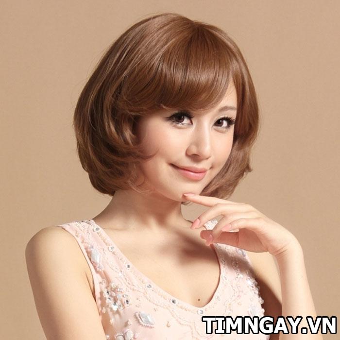 Tổng hợp các kiểu tóc xoăn ngang vai thịnh hành cho phái đẹp 11