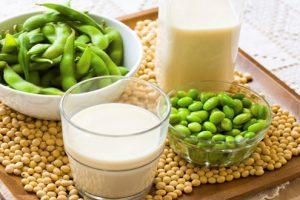 5 tác dụng của sữa đậu nành đối với phụ nữ cực tốt chị em nên uống mỗi ngày 2