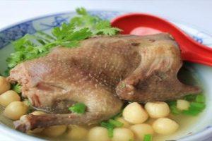 Cách làm món chim bồ câu hầm thuốc bắc bổ dưỡng