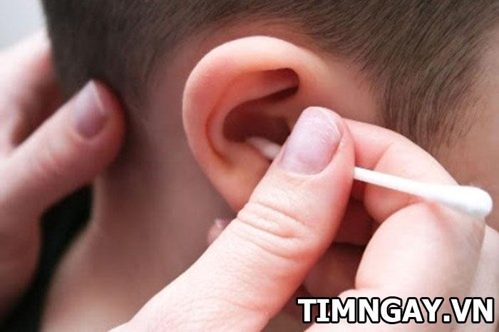 Cách lấy ráy tai cho trẻ an toàn, đúng cách ngay tại nhà mẹ cần biết 2
