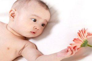 Chăm sóc bé 4 tháng tuổi như thế nào? Chế độ dinh dưỡng tốt nhất