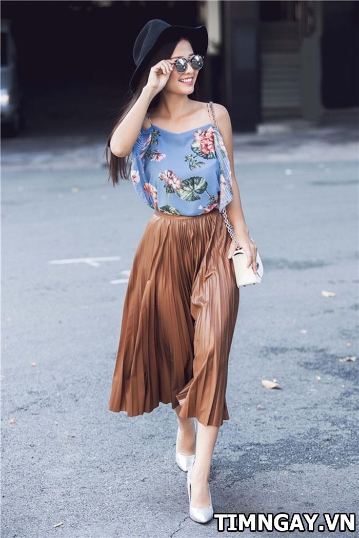 Chân váy màu nâu kết hợp với áo màu gì đẹp nhất? 2