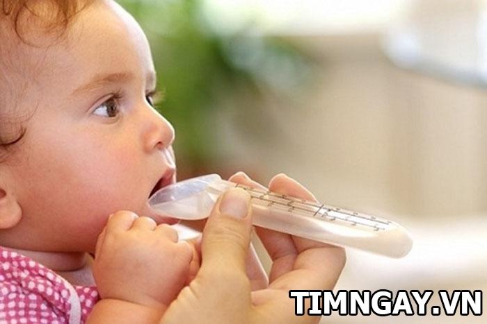 Cho trẻ sơ sinh uống kháng sinh nhiều có tốt không? 1