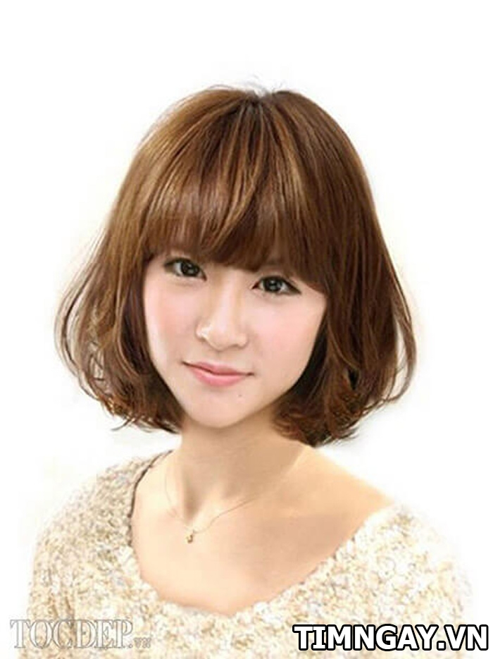 Lý giải sức hút kỳ lạ của kiểu tóc bob uốn cụp với giới trẻ 4