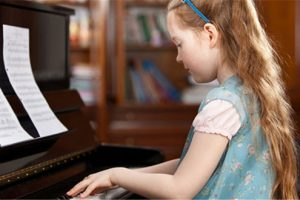 Mách bạn bí quyết học giỏi piano dễ dàng hơn bao giờ