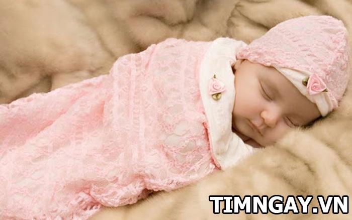 Nguyên nhân và cách khắc phục hiện tượng trẻ sơ sinh bị giật mình khóc thét về đêm 4