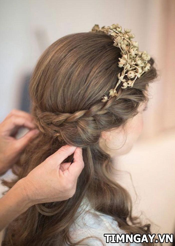 Những kiểu tóc dành cho cô dâu mặt tròn xinh tươi và nổi bật nhất 2