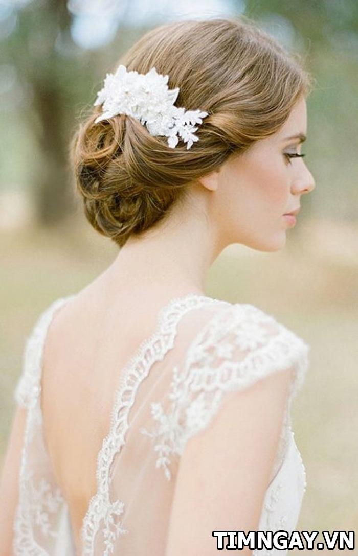 Những kiểu tóc dành cho cô dâu mặt tròn xinh tươi và nổi bật nhất 4