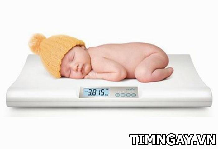 Trẻ sơ sinh tăng cân thế nào là hợp lý theotừng giai đoạn phát triển 2