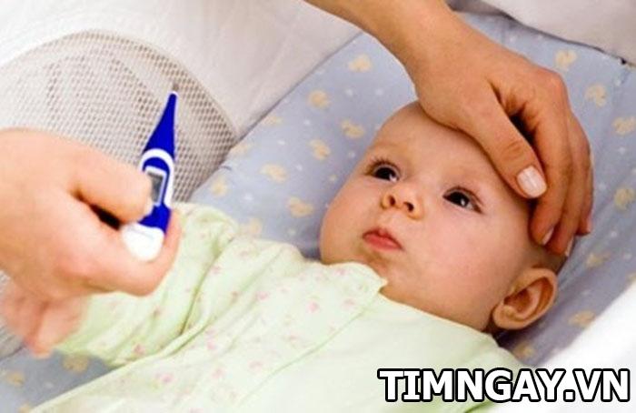 Biểu hiện trẻ bị sốt mọc răng và cách xử lý đúng nhất 1