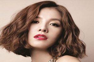 Các mẫu tóc xoăn ngắn mặt tròn cho bạn gái trẻ trung, năng động
