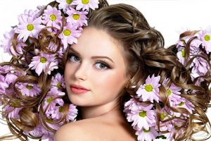 Cách chăm sóc chuẩn như salon cho tóc xoăn lọn to mềm mượt, sóng lọn