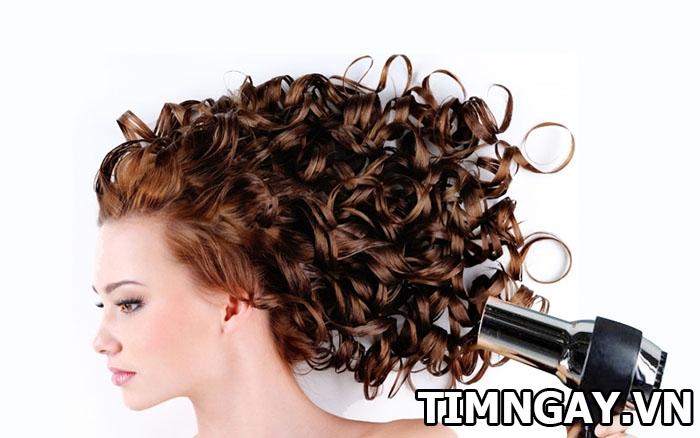 Cách chăm sóc chuẩn như salon cho tóc xoăn lọn to mềm mượt, sóng lọn 4