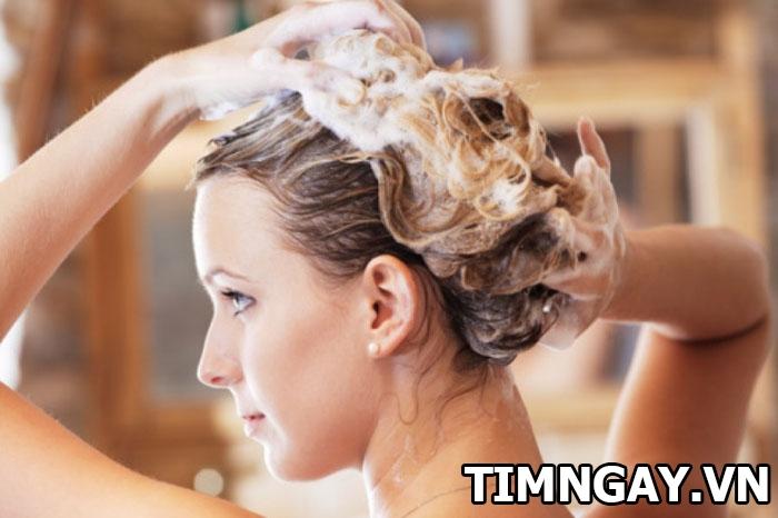 Cách chăm sóc chuẩn như salon cho tóc xoăn lọn to mềm mượt, sóng lọn 5