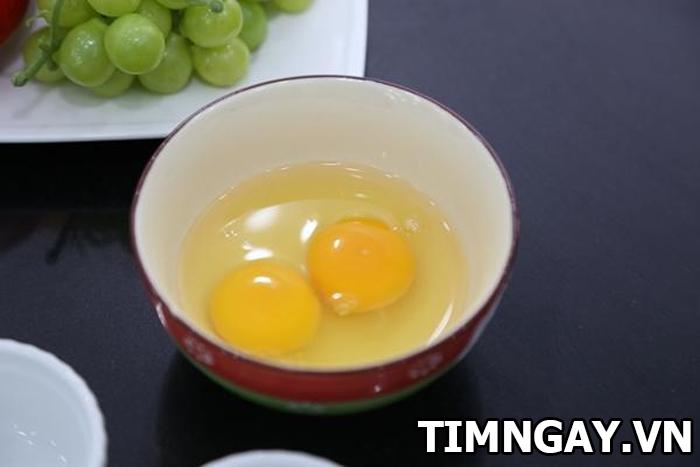 Công thức chế biến món trứng gà hấp rau củ hấp dẫn cho bé yêu 3