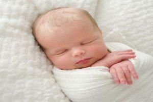 Làm thế nào để trẻ sơ sinh ngủ sâu giấc? Bí quyết cho bé ngủ ngon