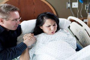 Mách mẹ cách rặn đẻ đúng nhất cho mẹ đỡ đau và bé an toàn