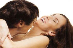 Mang thai ba tháng đầu có nên quan hệ hay không?