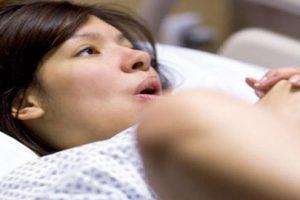 Muốn sinh con không tốn sức học ngay cách rặn đẻ của mẹ bầu