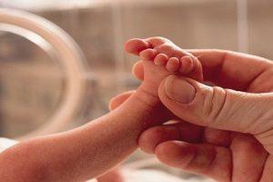 Nguyên nhân và cách phòng tránh tình trạng mẹ bầu sinh non
