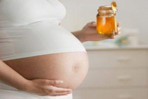 Phụ nữ khi mang bầu có được uống mật ong không?