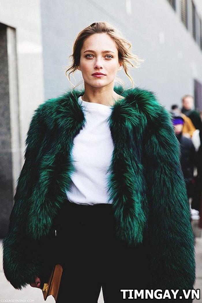 Thời trang mùa đông sành điệu với áo khoác lông, phối đồ hot nhất 4