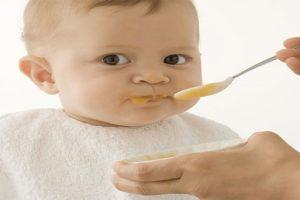 Thực đơn ăn dặm cho bé 1 tuổi để con yêu phát triển toàn diện
