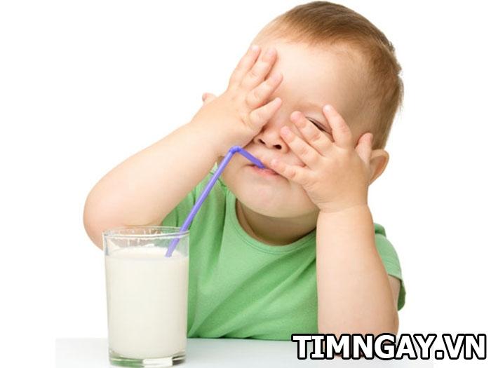 Trẻ một tuổi uống sữa tươi được chưa? Uống sữa tươi đúng khoa học 1