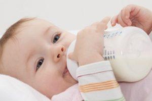 Trẻ một tuổi uống sữa tươi được chưa? Uống sữa tươi đúng khoa học