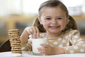 Uống sữa đậu nành có tốt không? Lợi ích và những điều cần lưu ý