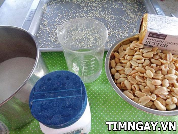 Cách làm kẹo đậu phộng giòn tan cho cuối tuần rộn ràng 1