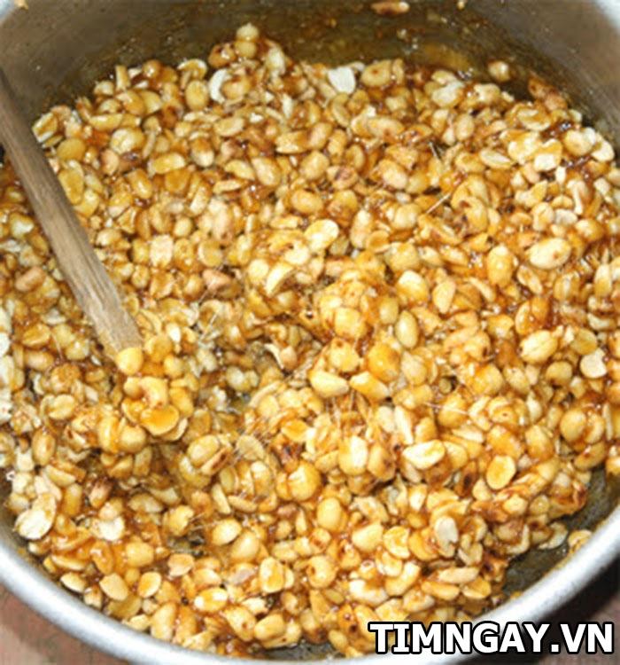 Cách làm kẹo đậu phộng giòn tan cho cuối tuần rộn ràng 5