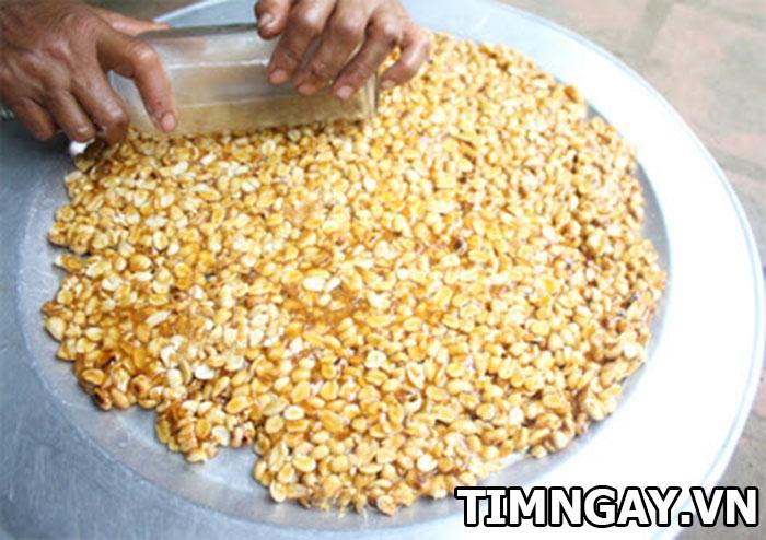 Cách làm kẹo đậu phộng giòn tan cho cuối tuần rộn ràng 6
