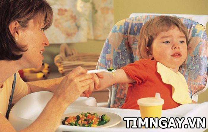 Nguyên nhân, dấu hiệu và cách điều trị khi trẻ bị đầy hơi1
