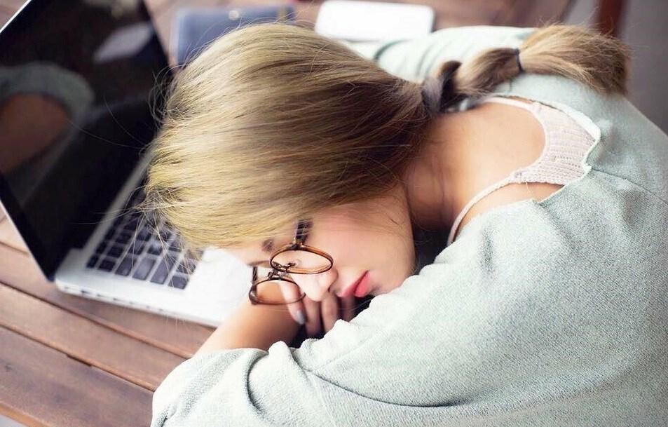 6 lý do khiến bạn luôn mệt mỏi ngay cả khi đã ngủ đủ giấc