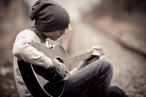5 lời khuyên và tại sao nên chơi guitar cho người mới bắt đầu
