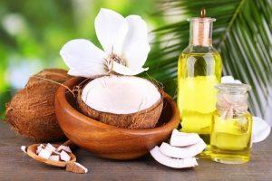 Điều trị bệnh đau mắt đỏ bằng dầu dừa nguyên chất cực hiệu quả