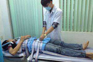 Điều trị đau thắt lưng bằng máy tập vật lý trị liệu